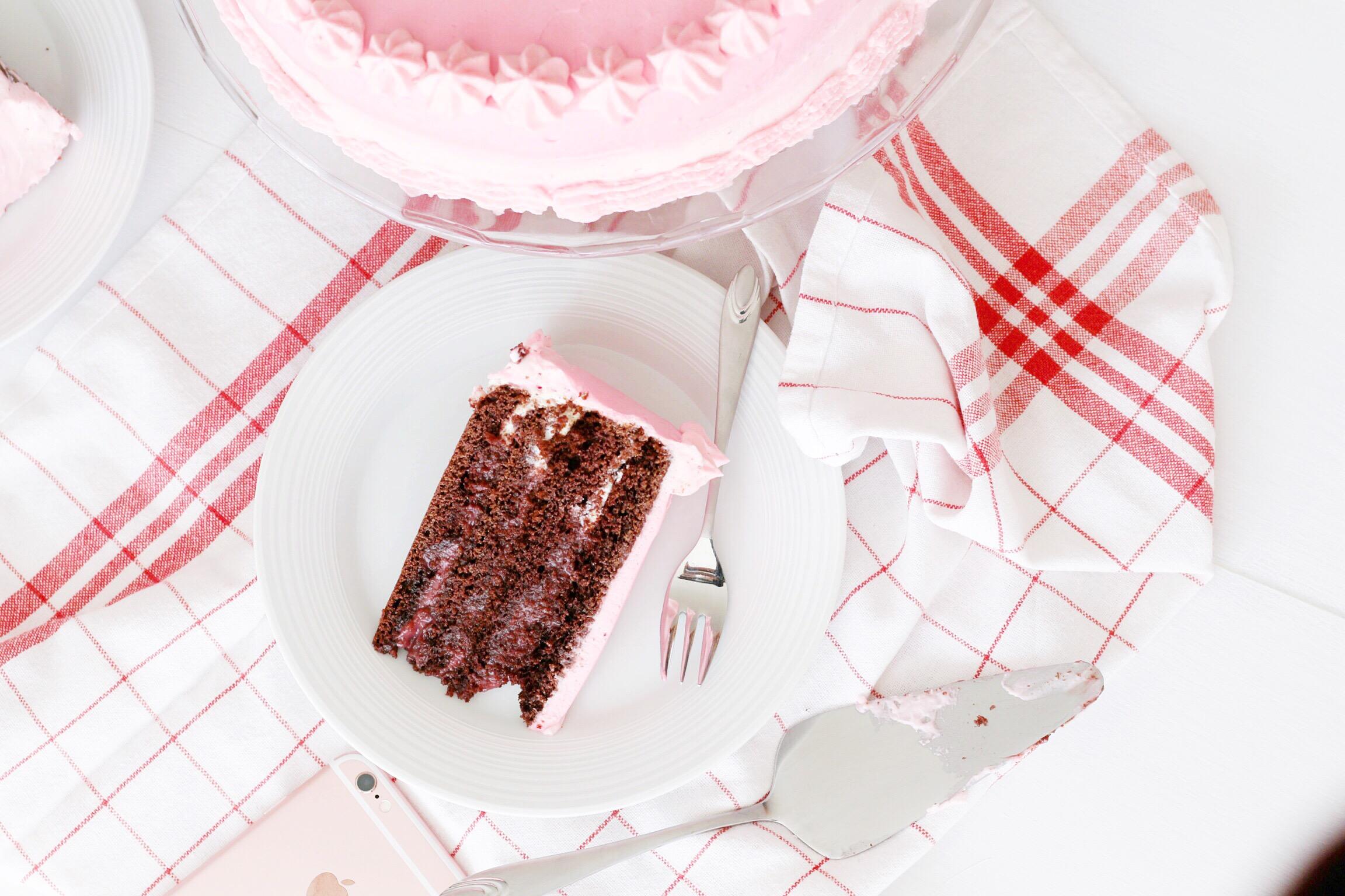 Trysha Gaba - Layer cake au chocolat et à la framboise 2
