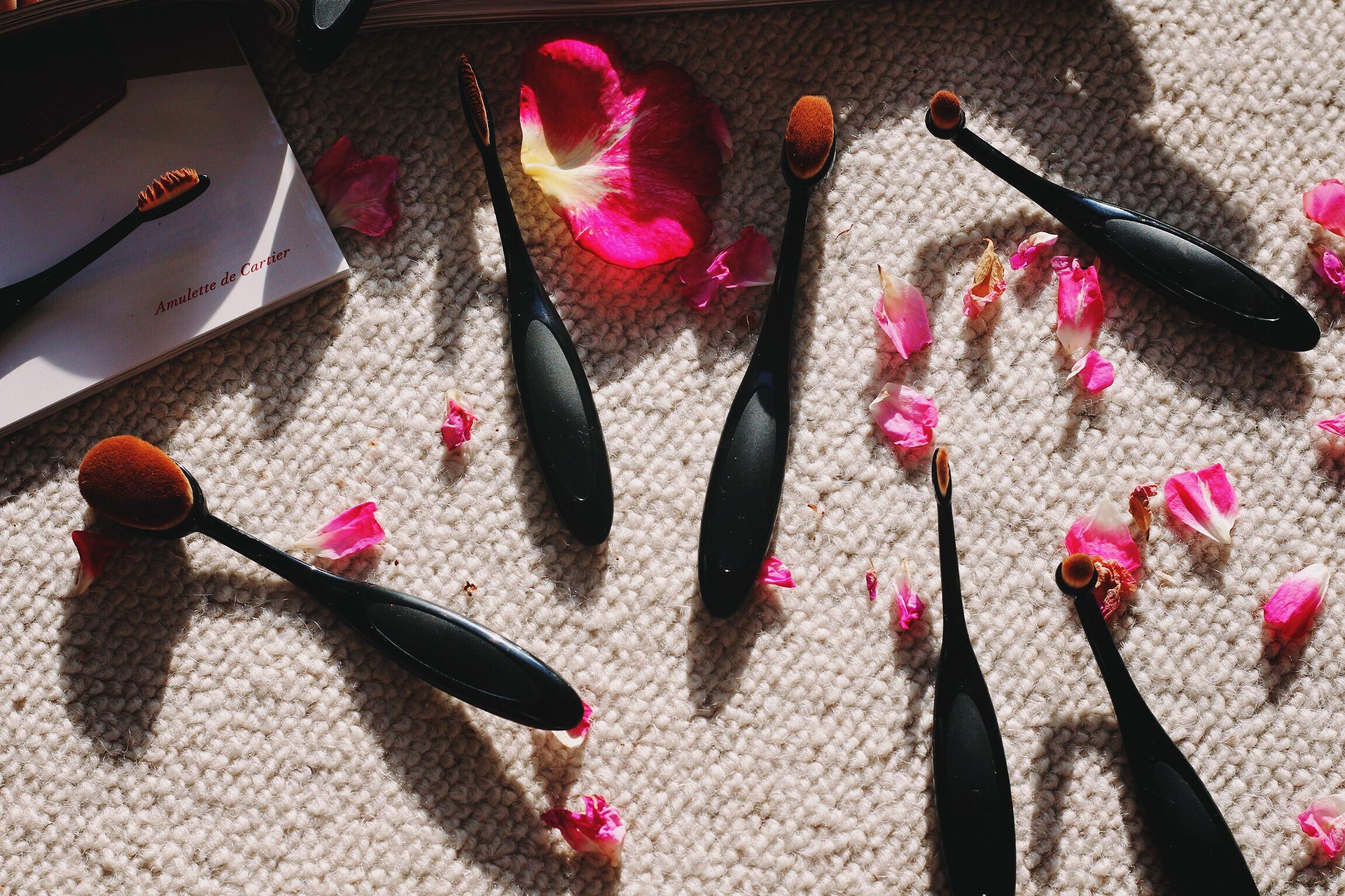 Trysha Gaba - Pinceaux de maquillage ovales dupes artis brush 3