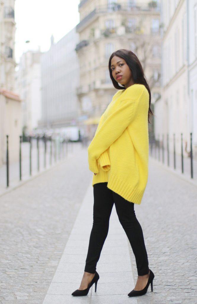 Le pull jaune poussin